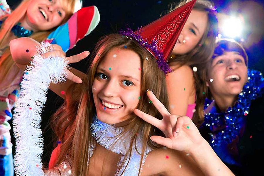 Новорічний вечір для старшокласників сценарій