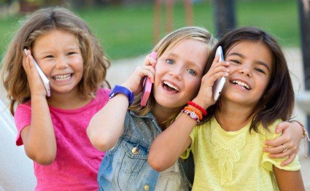 Cмартфон для ребенка в школу